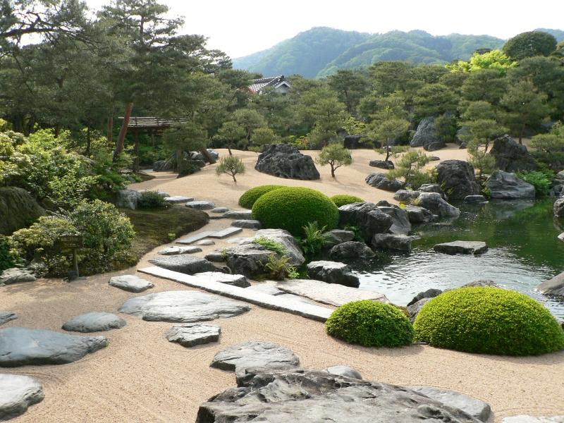 Japanese garden japan garden flowers photos and videos for Gardens in japan