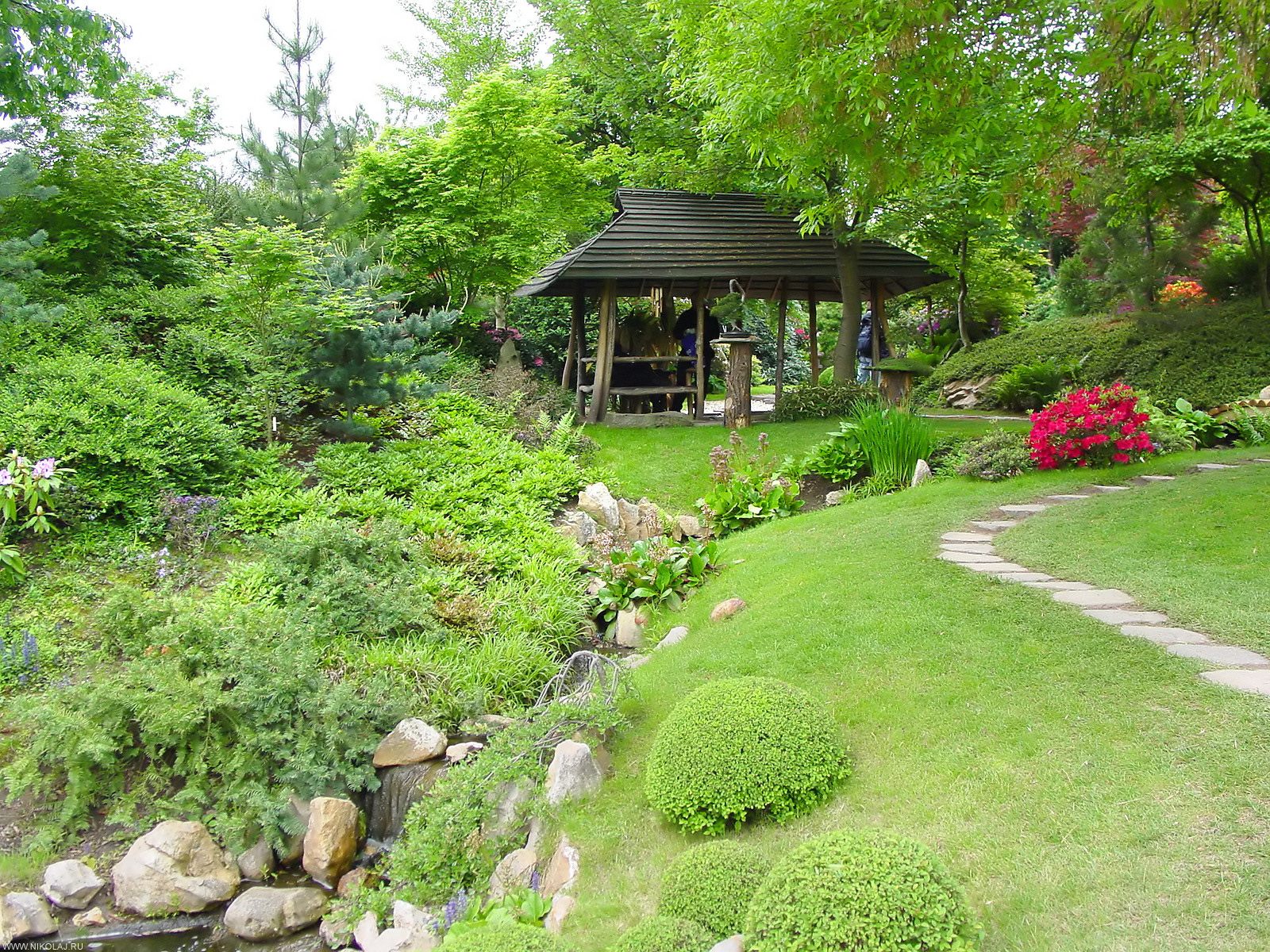 Japanese garden japan garden flowers photos and videos for Garden design pictures